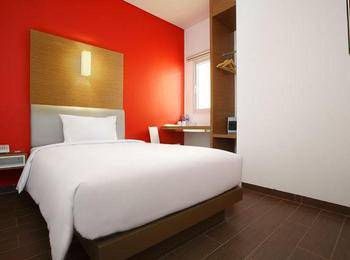 Amaris Hotel Sunset Road Bali - Smart Room Queen Special Promo Last Minute Deal 2018