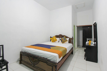 SPOT ON 2042 Ijen Creater Family Residence Syariah Banyuwangi - SPOT ON Double Regular Plan