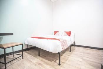 OYO 127 W Residence Jakarta - Standard Double Room Last Minute