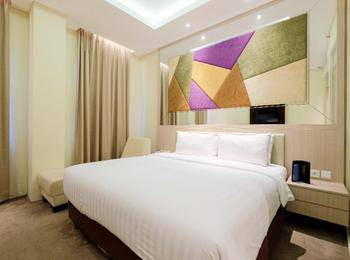 LA'RIZ Wthree Lagaligo Makassar - Deluxe King Room Only Regular Plan