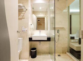 W Three Hotel Lagaligo Makassar Makassar - Superior Room Only Special Deals