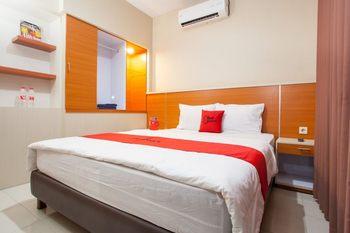 RedDoorz Plus near Desa Wisata Osing Banyuwangi - RedDoorz Suite Room Last Minute