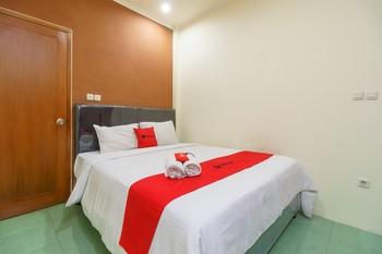 RedDoorz near Sukajadi 3 Bandung - RedDoorz Room with Breakfast Regular Plan