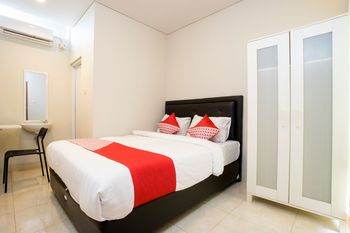 OYO 1369 Griya Damai Syariah Yogyakarta - Standard Double Room Regular Plan