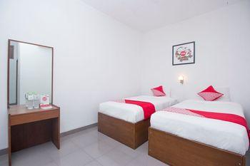 OYO 759 Hotel Dewi Sri Yogyakarta - Deluxe Twin Room Regular Plan