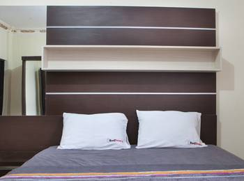 RedDoorz near Isola Upi Bandung - RedDoorz Room  24 Hours Deal