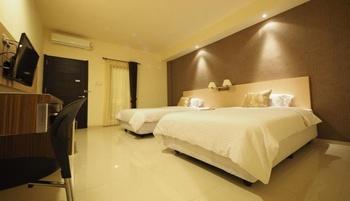 Nat Nat Homestay Malang - Standard Premier Twin Regular Plan