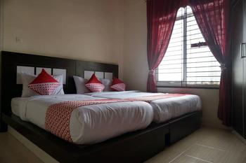 OYO 1394 Rumaisa Homestay Pekanbaru - Deluxe Family Room Regular Plan