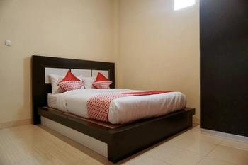 OYO 1394 Rumaisa Homestay Pekanbaru - Standard Double Room Regular Plan