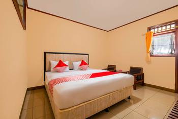OYO 2900 New Bukit Kasih Lembang - Deluxe Double Room Last Minute Deal
