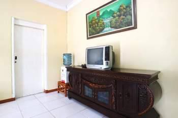Aries Biru Hotel Bogor - Bungalows 4 Bedrooms Regular Plan