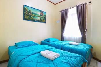 Aries Biru Hotel Bogor - Bungalows 4 Bedrooms Minimum 2 malam