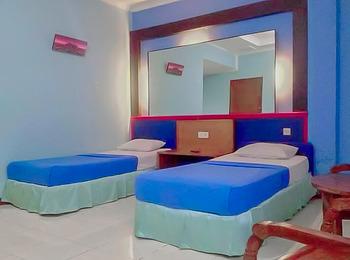 RedDoorz near Pantai Citepus Pelabuhan Ratu Sukabumi - RedDoorz Deluxe Twin Room Last Minute