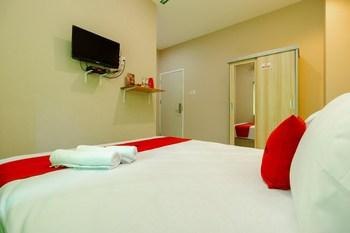 RedDoorz Syariah @ Panglima Polem Aceh Banda Aceh - RedDoorz Family Room Basic Deal