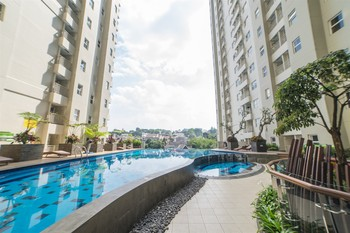 1BR with Sofa Bed @ Parahyangan Residence By Travelio