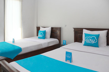 Airy Denpasar Utara Cokroaminoto 56 Bali - Standard Twin Room with Breakfast Regular Plan