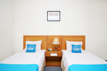 Airy MT Haryono KM 3.5 Tanjung Pinang - Deluxe Twin Room With Breakfast Special Promo Oct 50