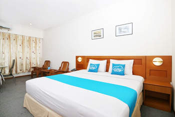 Airy MT Haryono KM 3.5 Tanjung Pinang - Deluxe Double Room with Breakfast Special Promo Oct 50
