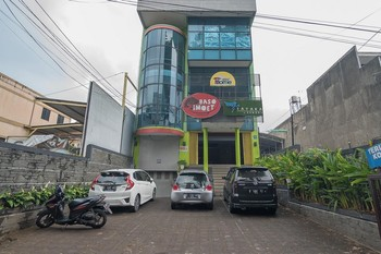 KoolKost near Setrasari Mall (Minimum Stay 6 Nights)