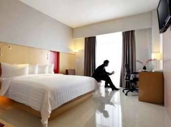 Hotel Santika Medan Medan - Deluxe Room Queen Regular Plan