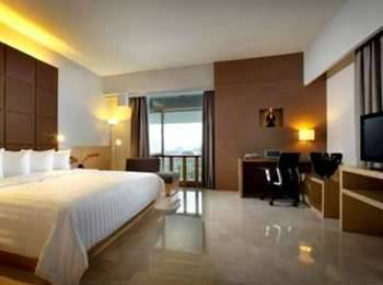 Hotel Santika Medan Medan - Premiere Room Queen Regular Plan