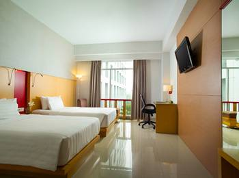 Hotel Santika Premiere Dyandra Hotel & Convention Medan - Deluxe Room Twin Regular Plan