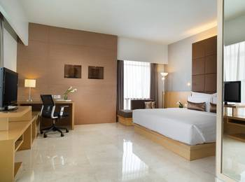 Hotel Santika Medan Medan - Premiere Room Queen Staycation Offer Regular Plan