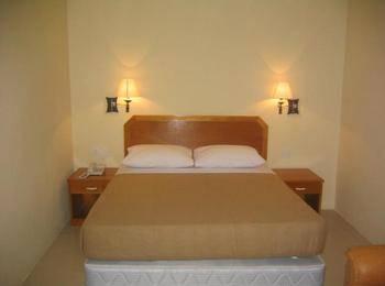 Hotel Makmur Tarakan - Deluxe King Room Regular Plan
