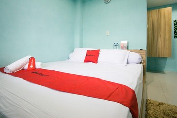 RedDoorz near Mikie Holiday Funland Berastagi Karo - RedDoorz Room Basic Deal