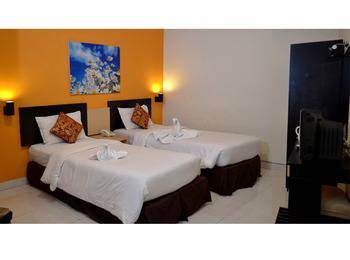 d Green Kayon Airport Hotel Solo - Superior - Room Only Regular Plan