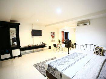 Hotel Mangga Dua Makassar - Executive Suite Room - Sulawesi Deals Regular Plan