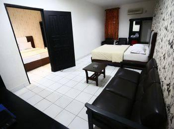 Mangga Dua Hotel Makassar Makassar - Family Suite with Connecting Room Regular Plan