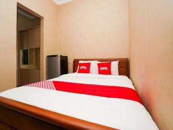 OYO 1986 Airdas Surabaya - Standard Double Room Regular Plan