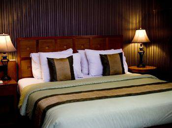 Sawunggaling Hotel Bandung - Deluxe Room Only   Regular Plan
