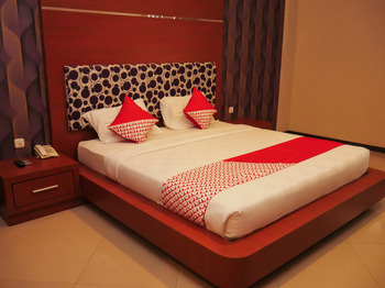 OYO 238 Hotel Grand Darussalam Syariah Medan - Standard Double Limited Time Deal