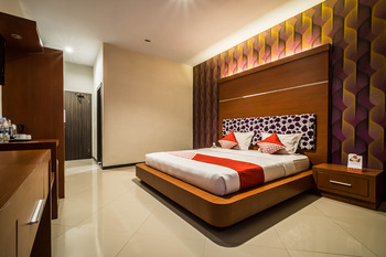 OYO 238 Hotel Grand Darussalam Syariah Medan - Suite double Limited Time Deal