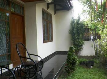 Rumah Dyandra Suryalaya Homestay