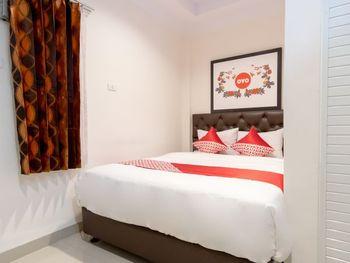 OYO 621 Vania Residence Medan - Standard Double Room Regular Plan