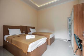 Hotel Aksi Natural Resort Pangkalpinang - Deluxe Twin Room Only Regular Plan