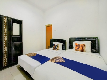 OYO 2698 Kost Blessing Malang - SPOT ON Twin Regular Plan