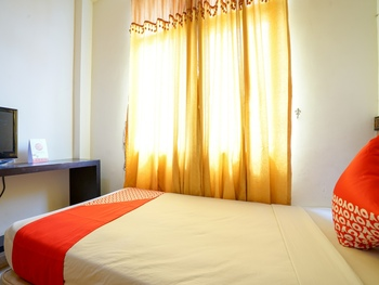 OYO 2255 Hotel Triantama Palembang - Standard Twin Room Regular Plan