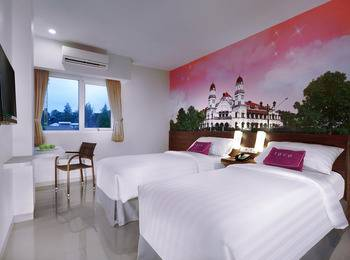 favehotel Diponegoro - Standard Room - with Breakfast Regular Plan
