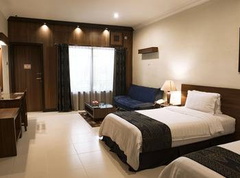 Atsari Hotel & Bungalow Parapat - Suite Room Regular Plan