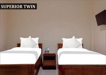 JO Guest House Cengkareng Jakarta - Superior Twin Room  SAFECATION