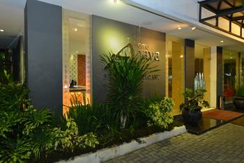 Hotel Anaya & Ballroom Medan - Deluxe King Room Regular Plan