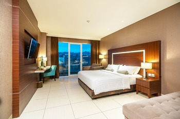 Clove Garden Hotel Bandung - Junior Suite King Bed Free Lunch Or Dinner For 2 Person Only On October