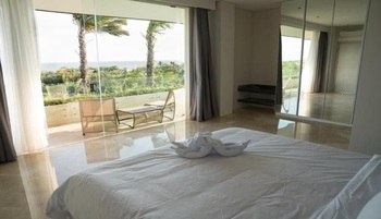 The Double View Mansion Bali - 1.5 Bedroom Ocean View ( 3 guests ) Minimum 3 Nts Stay