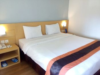Hotel 88 Kopo Bandung - Deluxe Room With Breakfast Regular Plan
