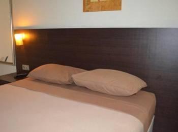 D'Gria Hotel Serang - Deluxe Room Regular Plan