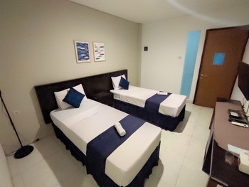 Prime Cailendra Hotel Yogyakarta - Deluxe Twin Room Last Minute